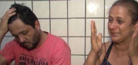 Pais alegaram que a criança morreu após cair de carro em movimento na Bahia