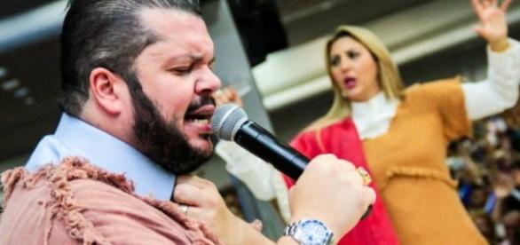 Pastor pede ajudinha para se manter na TV - Google