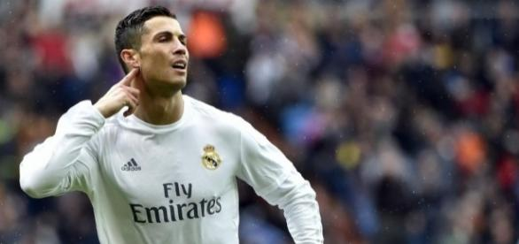 Real Madrid: CR7 crie au complot!