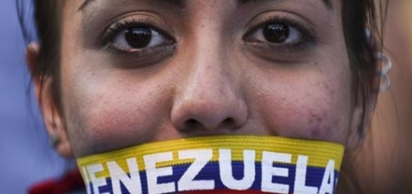 Venezuela a inédita elección parlamentaria con oposición favorita ... - ecuadortv.ec
