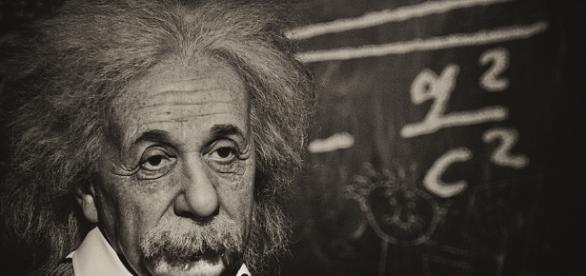 Albert Einstein tenía el escritorio siempre desordenado