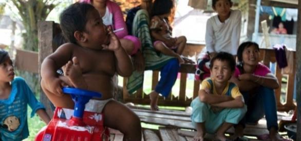 Ardi Rizal preocupou o mundo com essas imagens em criança