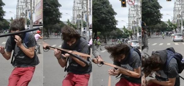 O estudante Mateus Ferreira da Silva foi agredido por policial durante manifestação