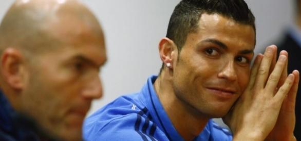 Real Madrid: Zidane fait une révélation sur CR7!