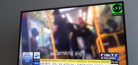 Awantura w pociągu SKM (źródło: youtube.com, kontakt24.pl).