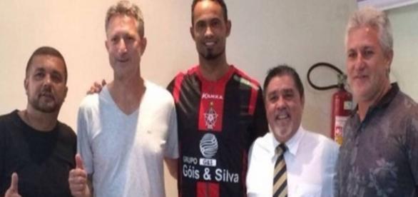 Empresário de goleiro Bruno é suspeito de matar seu enteado (Reprodução: Site/Extra)