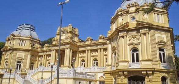O Palácio Guanabara é a Sede do governo do Estado do Rio de Janeiro