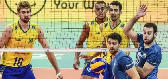 Voleibol masculino do Brasil estreia novo técnico