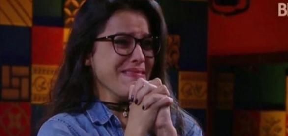 Emilly se emocionou muito no final de semana