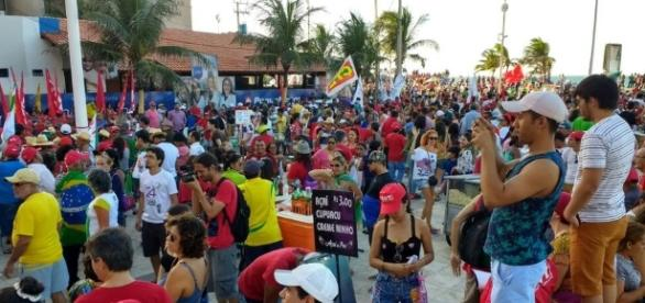 Manifestação em Fortaleza pedindo a saída de Michel Temer