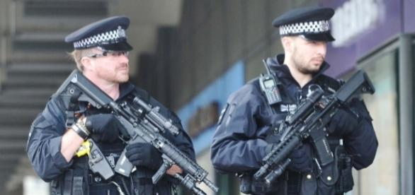 Britain in security lockdown as armed cops flood the streets to ... - mirror.co.uk