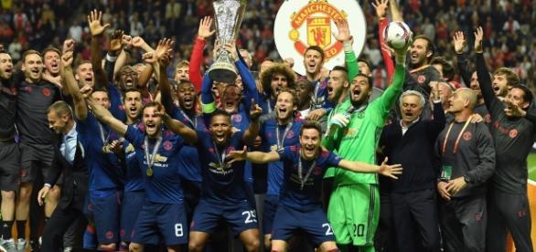 El United añadió la Europa League a su rica historia de trofeos europeos. UEFA.com.