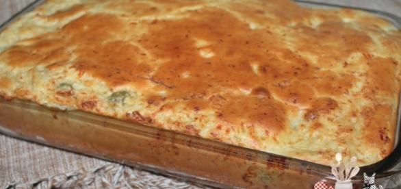 Faça uma torta de frango em poucos passos ( Foto: Reprodução)
