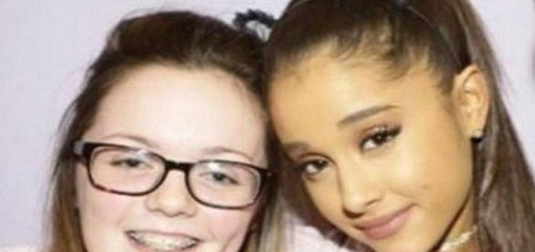 Jovem que morreu em atentado terrorista postou foto ao lado de Ariana Grande
