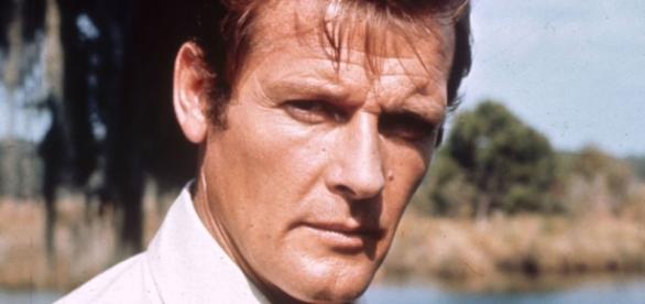 Sir Roger Moore, James Bond star, dies at 89 - sky.com
