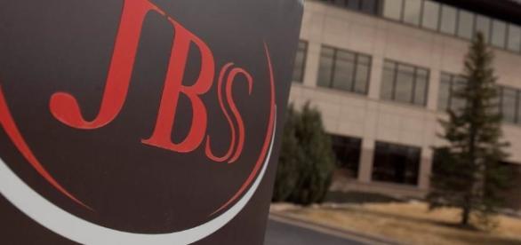 Empresa dos irmão Batista pode ser punida por compra de dólares e venda de ações antes da delação