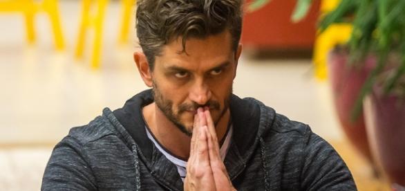Marcos Harter já voltou a atuar em sua profissão de cirurgião e cobra R$ 1,2 mil por consulta ( Foto: Reprodução)