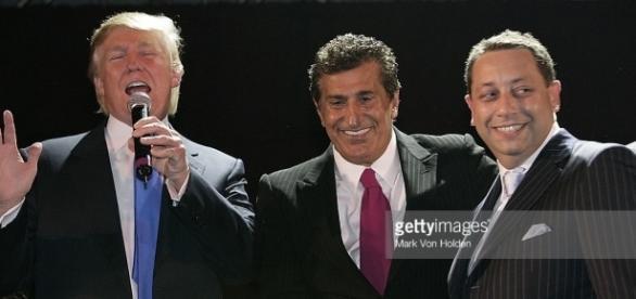 Photos et images de Trump, Arif, Sater Soho Launch Party - Inside | Getty Images - gettyimages.fr