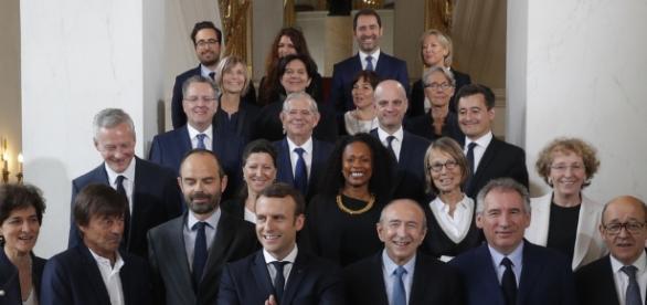 REPLAY : premier Conseil des ministres pour le nouveau ... - publicsenat.fr