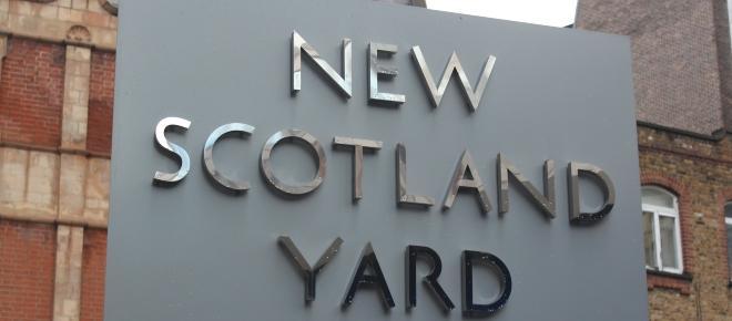Attentat de Manchester : la police enquête sur un réseau