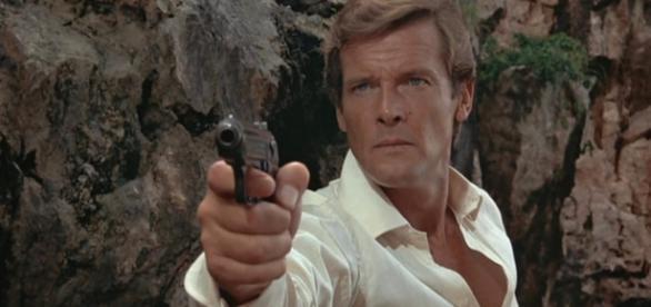 """Hollywood llora la muerte de Roger Moore: """"Fue mi primer Bond ... - ecartelera.com"""