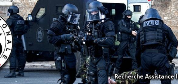 Le RAID, une unité spéciale française appelée lors de cas de grand banditisme ou terrorisme.