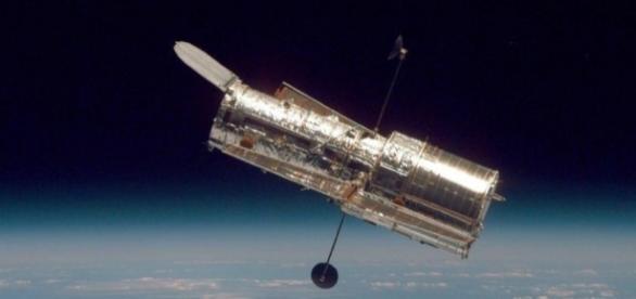 Astrônomos alegam que Hubble captou as rajadas no espaço profundo (The Sun)
