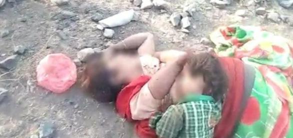 Bebê é encontrado mamando no peito de sua mãe já sem vida