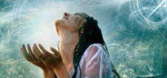 Un despertar divino femenino que empodera a la mujer y abre su potencial creativo.
