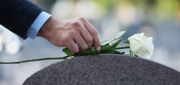 What every eulogy should include - Photo: Blasting News Library - wsj.com