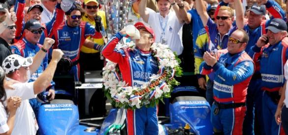 Takuma Sato ganó la edición 101 de las 500 de Indianapolis.Fox40.com.