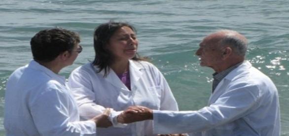 Milagre acontece em uma praia na Itália