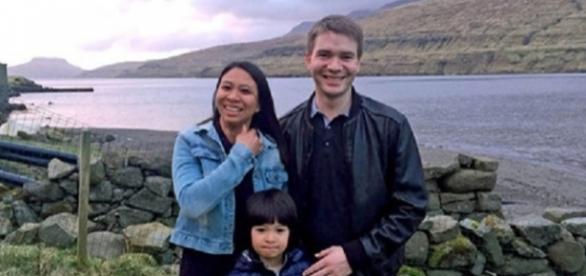 Athaya Slaetalid com o marido Jan e seu filho Jacob / BBC Brasil