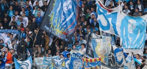Des supporters Marseillais et basques s'affrontent dans les rues ... - madeinfoot.com