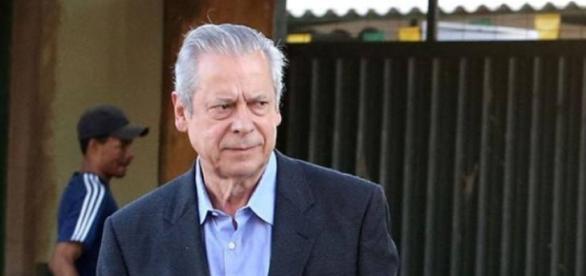 Ex-ministro José Dirceu foi solto nesta terça-feira (02) por decisão do Supremo Tribunal Federal
