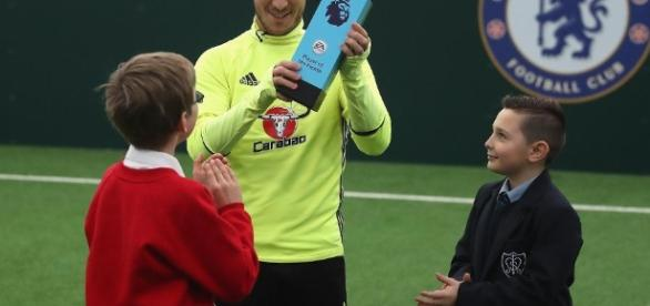 Hazard voted EA SPORTS Player of the Month - premierleague.com