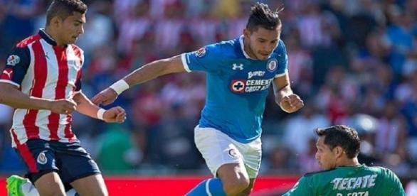 La limpia funcionó! Cruz Azul le gana a las Chivas 2-0 - periodicocentral.mx