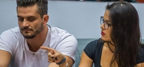 O casal deu o que falar depois de uma briga na casa ( Foto - Rede Globo )