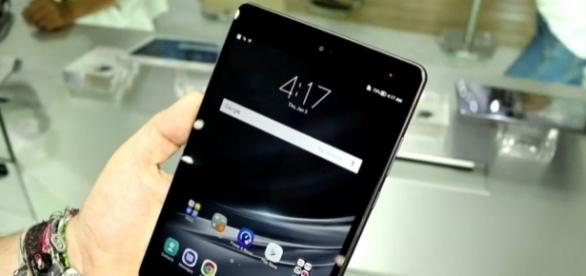 Asus unveils the ZenPad 3S 8.0 tablet -- Image / winfuture.de