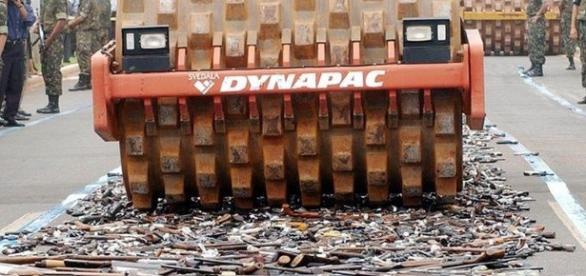 Destruição das armas dos cidadãos de bem promovidas pelo Estado.