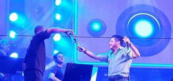 Organizadores querem o dinheiro de volta após show com cantor Bruno bêbado (Foto: Reprodução)