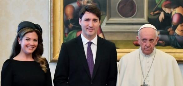 Pope Francis still had the glum face when he met the Canadian PM. Photo via The Canadian Press, Twitter.