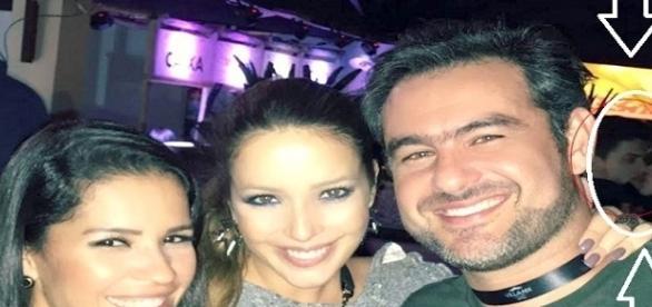 Emilly é fotografada aos beijos com ator da Globo (Foto: Reprodução/Facebook)