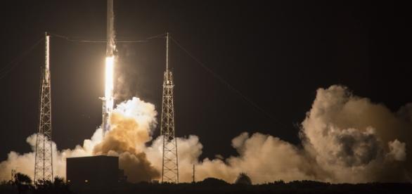 Night rocket launch (courtesy NASA)