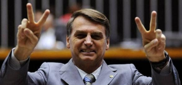 Bolsonaro tem entre 15 milhões e 23 milhões de votos