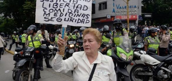 Rivolta in Venezuela: continua la protesta anti Maduro - Foto - panorama.it
