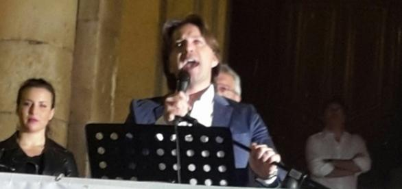 Corrado Figura in un immagine della campagna elettorale del 2016
