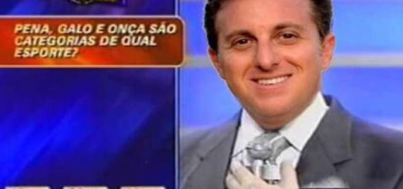 Luciano Huck é acusado de copiar Silvio Santos
