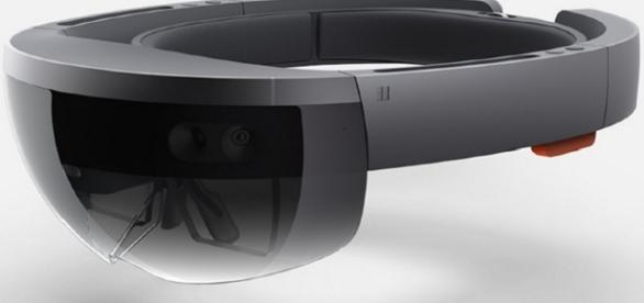 HoloLens : Tech Times - techtimes.com