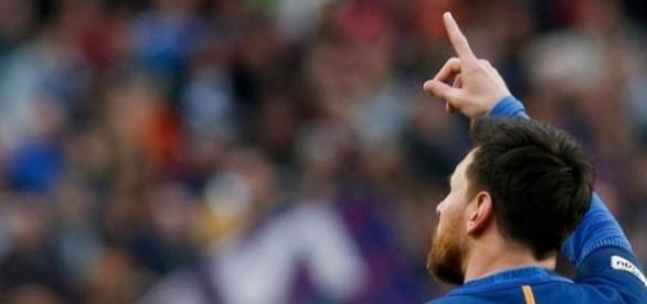 """Messi, dit """"La Pulga"""" célébrant un but"""